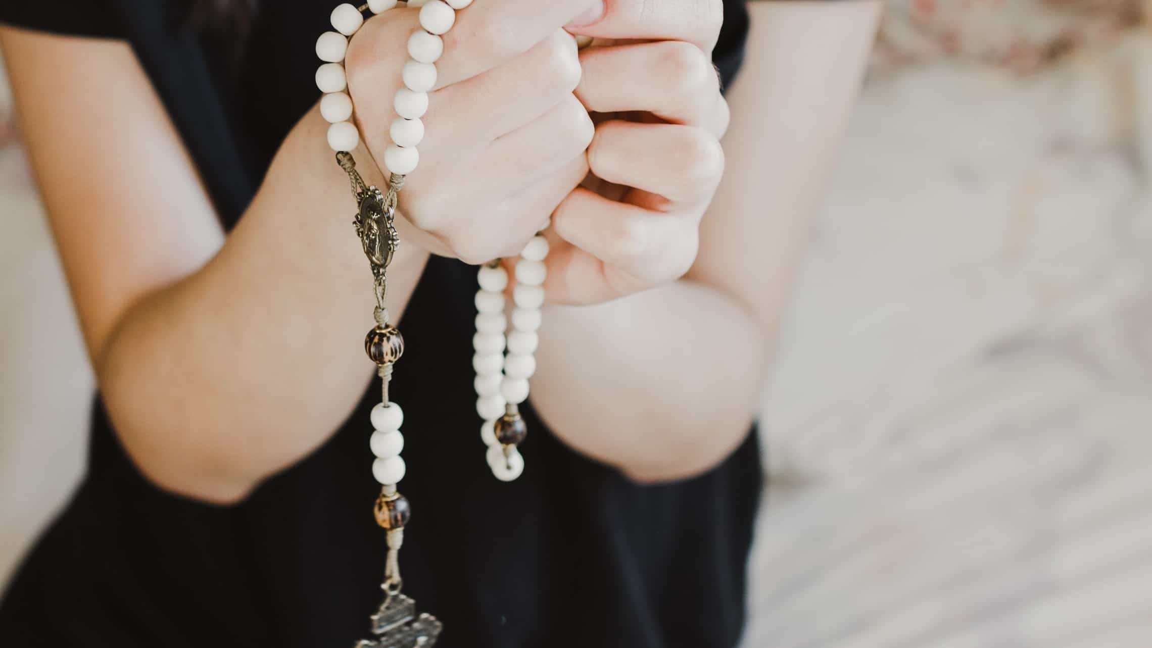 How to Pray the Rosary Deeply: 5 Strategies ThatReally Help
